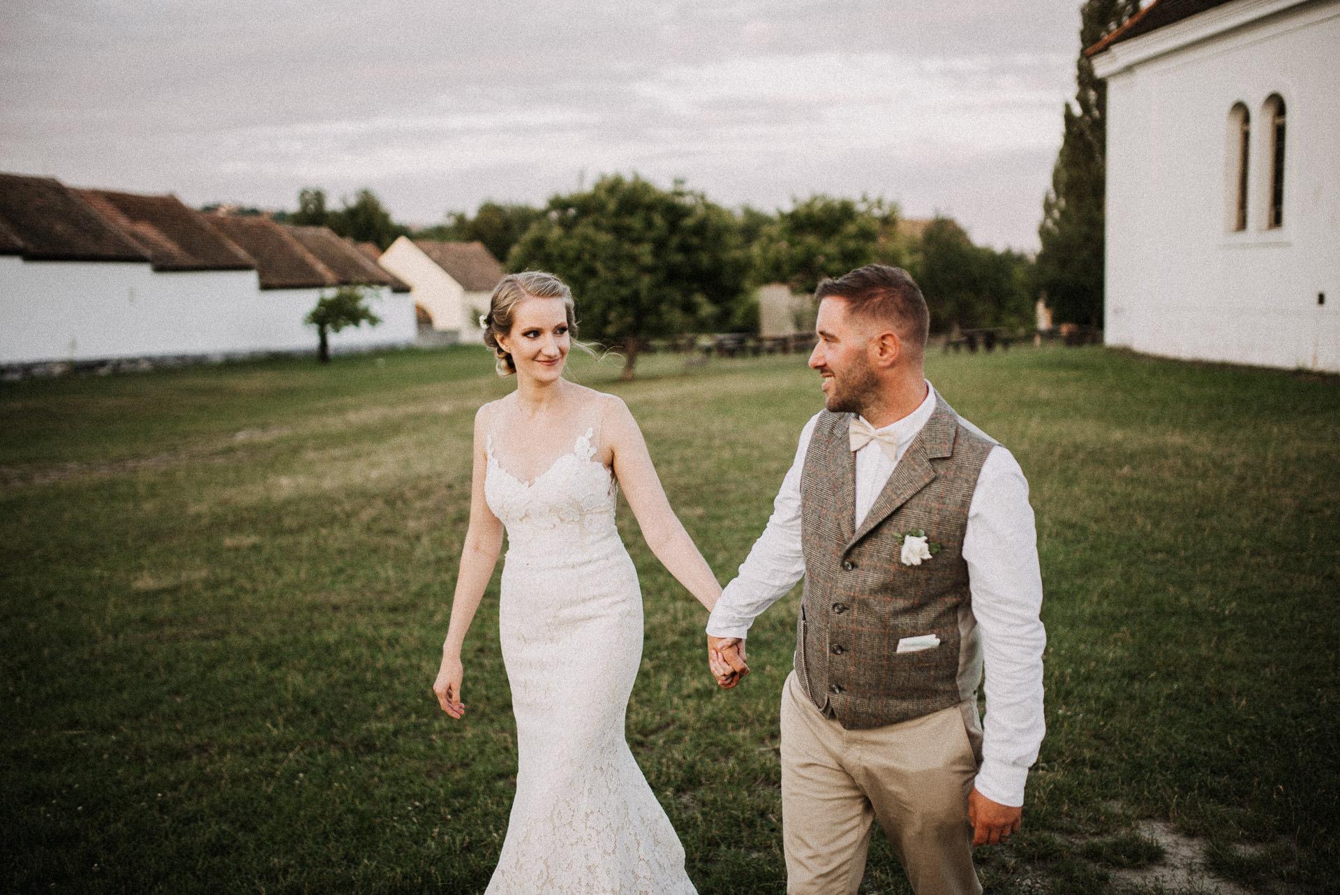 bride groom chapel kapolna volegeny menyasszony skanzen