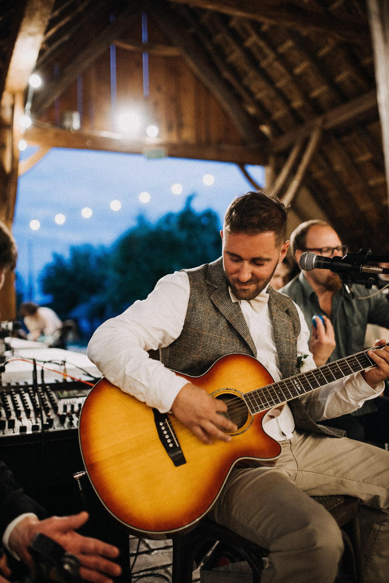 music guitar groom volegeny gitar zene