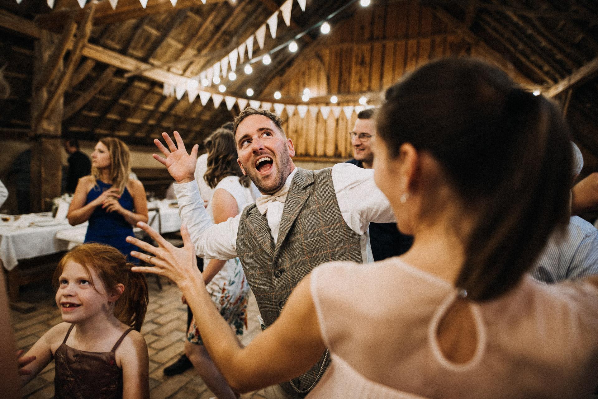 volegeny groom having fun