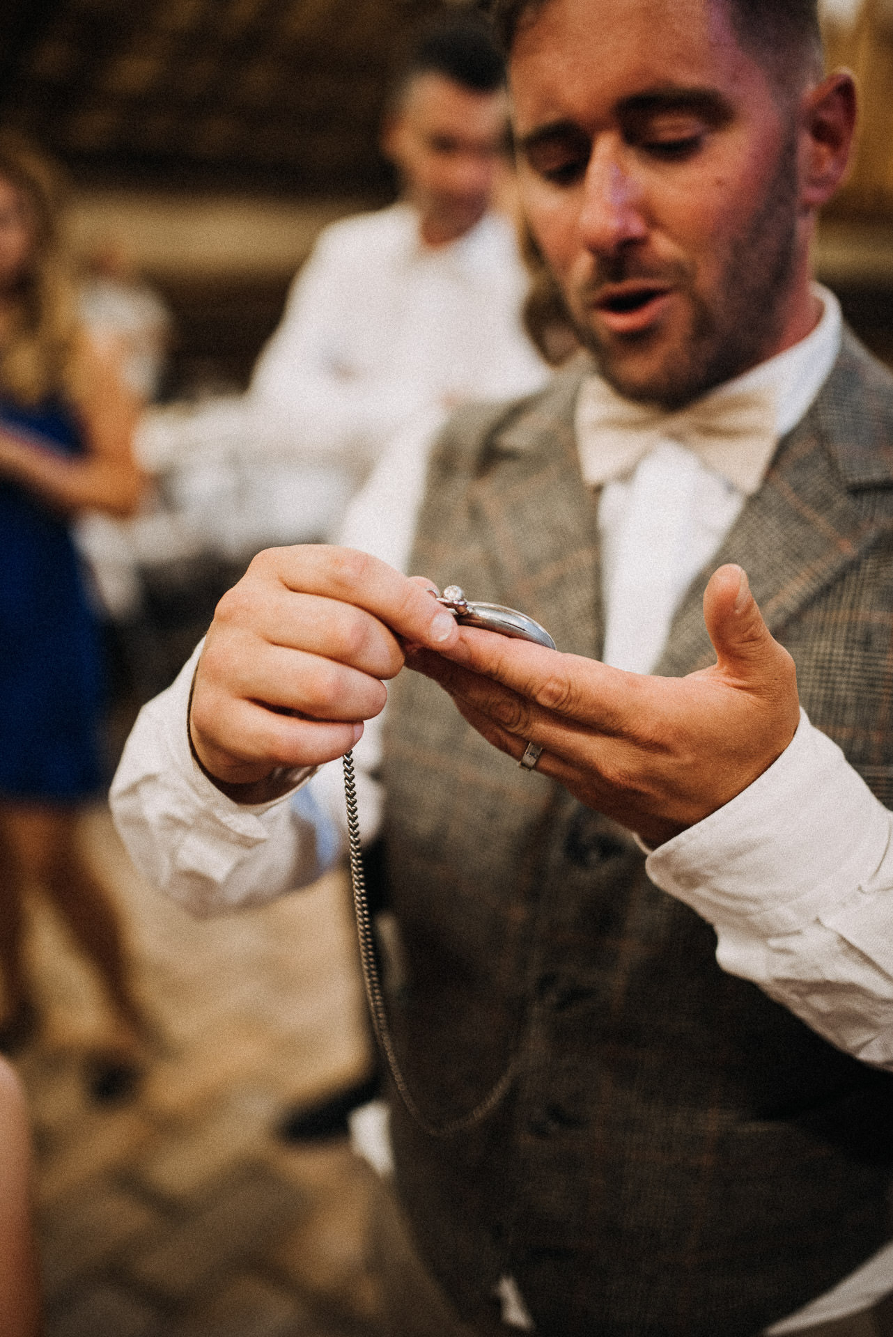 zseb ora volegeny pocket watch groom