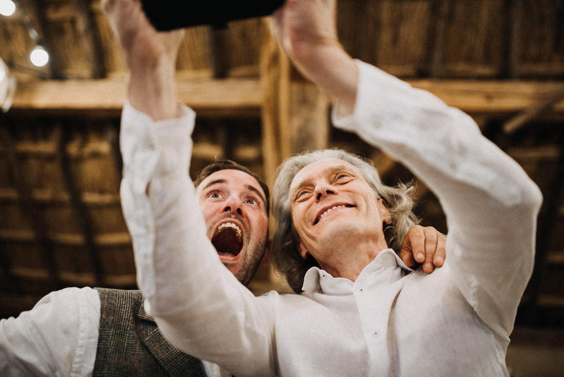 selfie szelfi volegeny groom