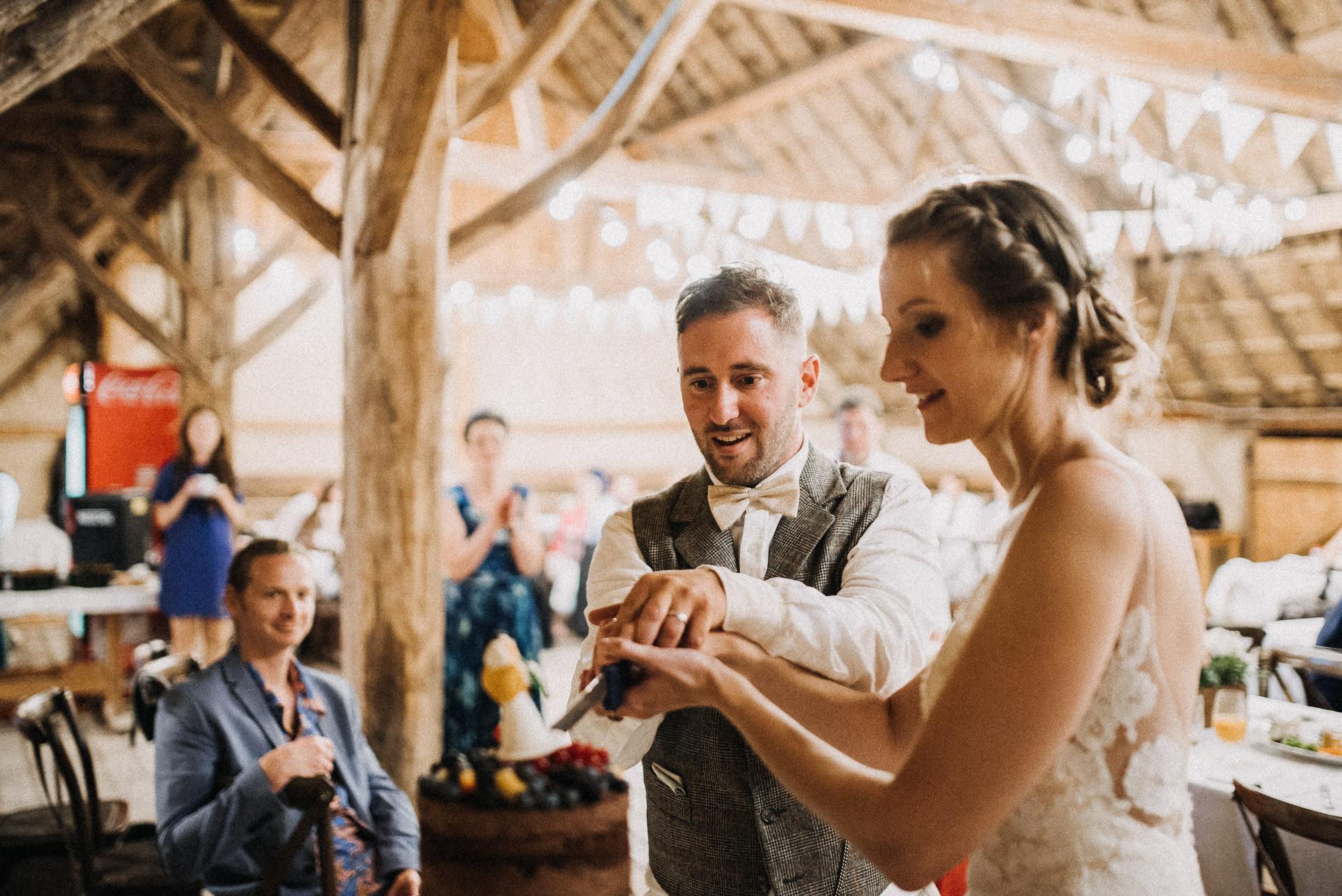 eskuvo torta wedding cake gyumolcs fruit vagas volegeny menyasszony