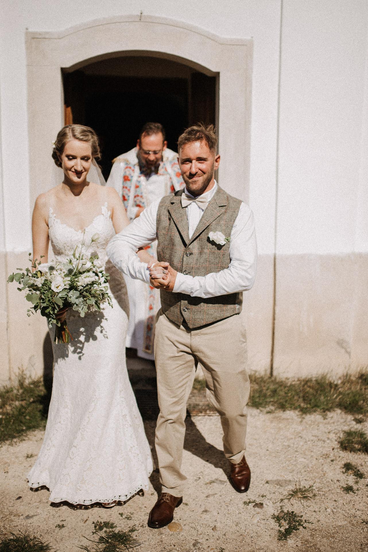 kivonulas menyasszony volegeny szertartas ceremony bride groom