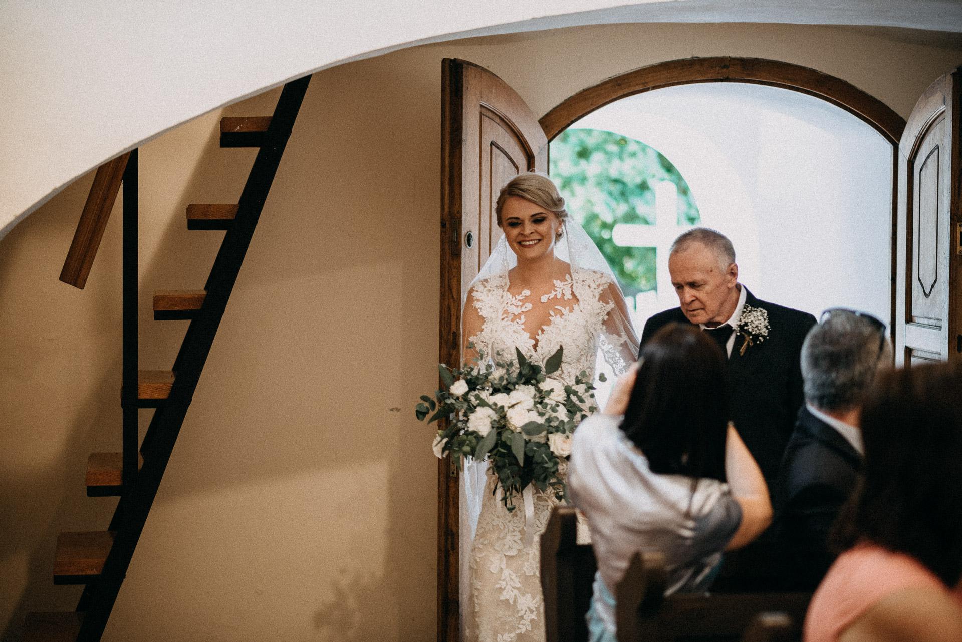 bevonulas menyasszony oromapa