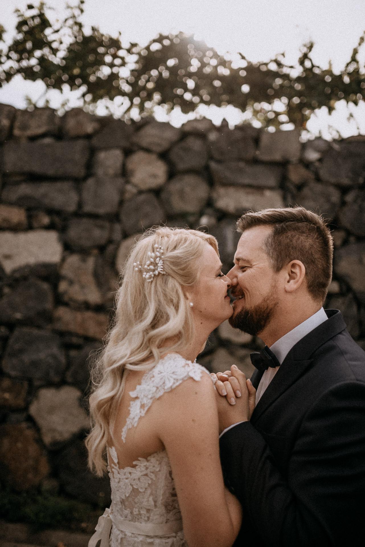 nevetes volegeny menyasszony