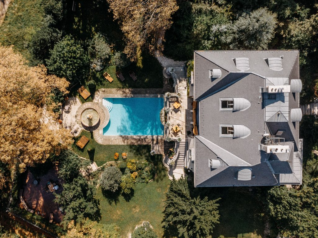 drone dron the writer's villa