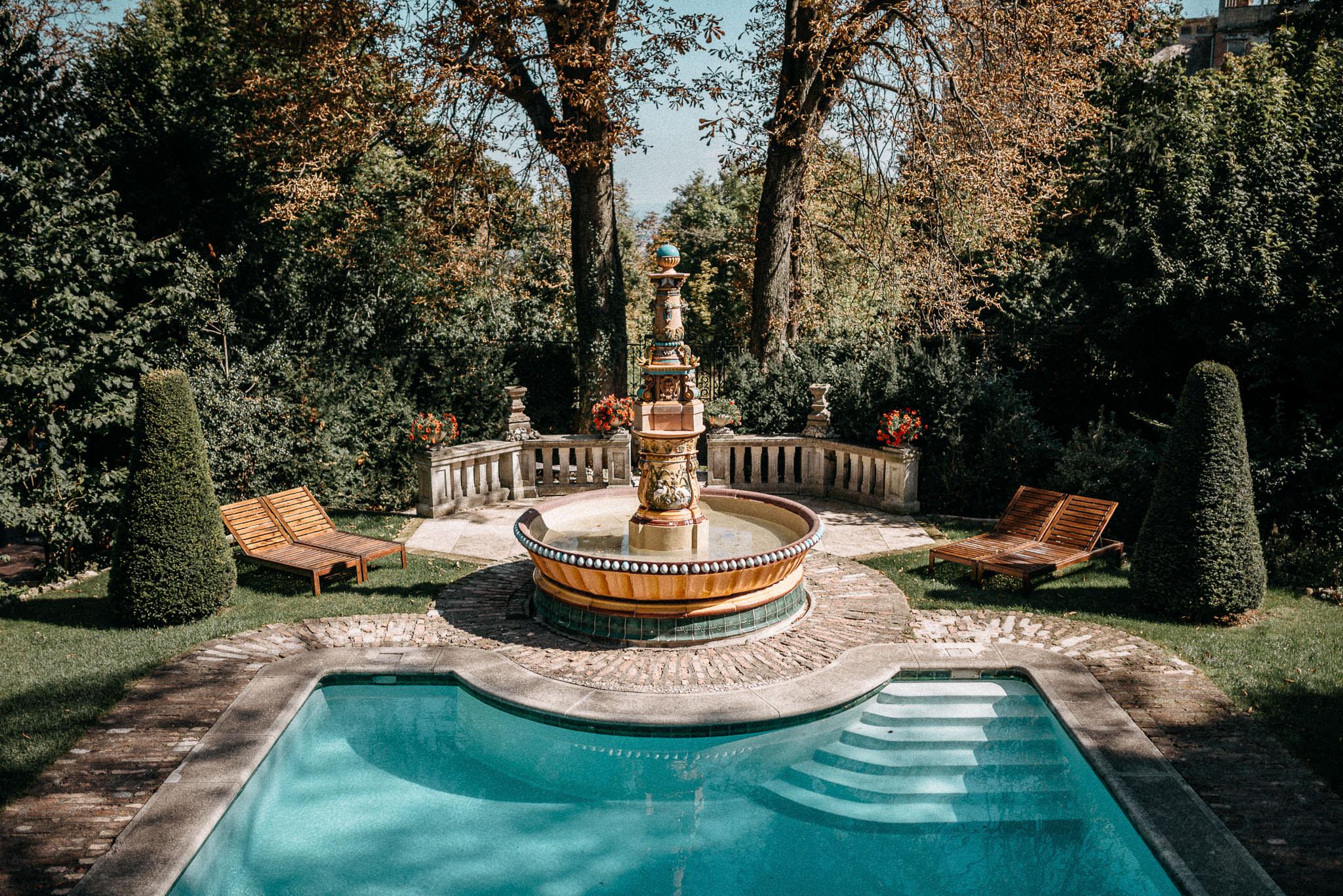 zsolnay fountain szokokut the writer's villa budapest