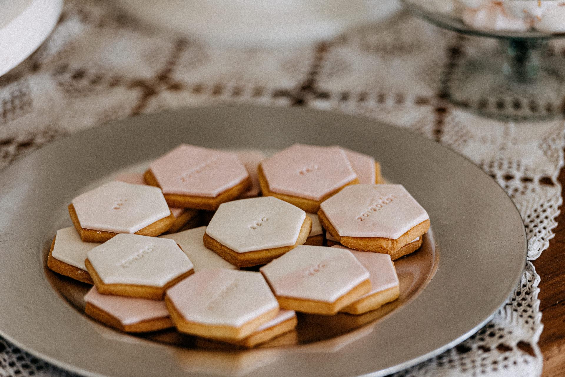 baberliget kuria eskuvo desszert desszartasztal sutemeny