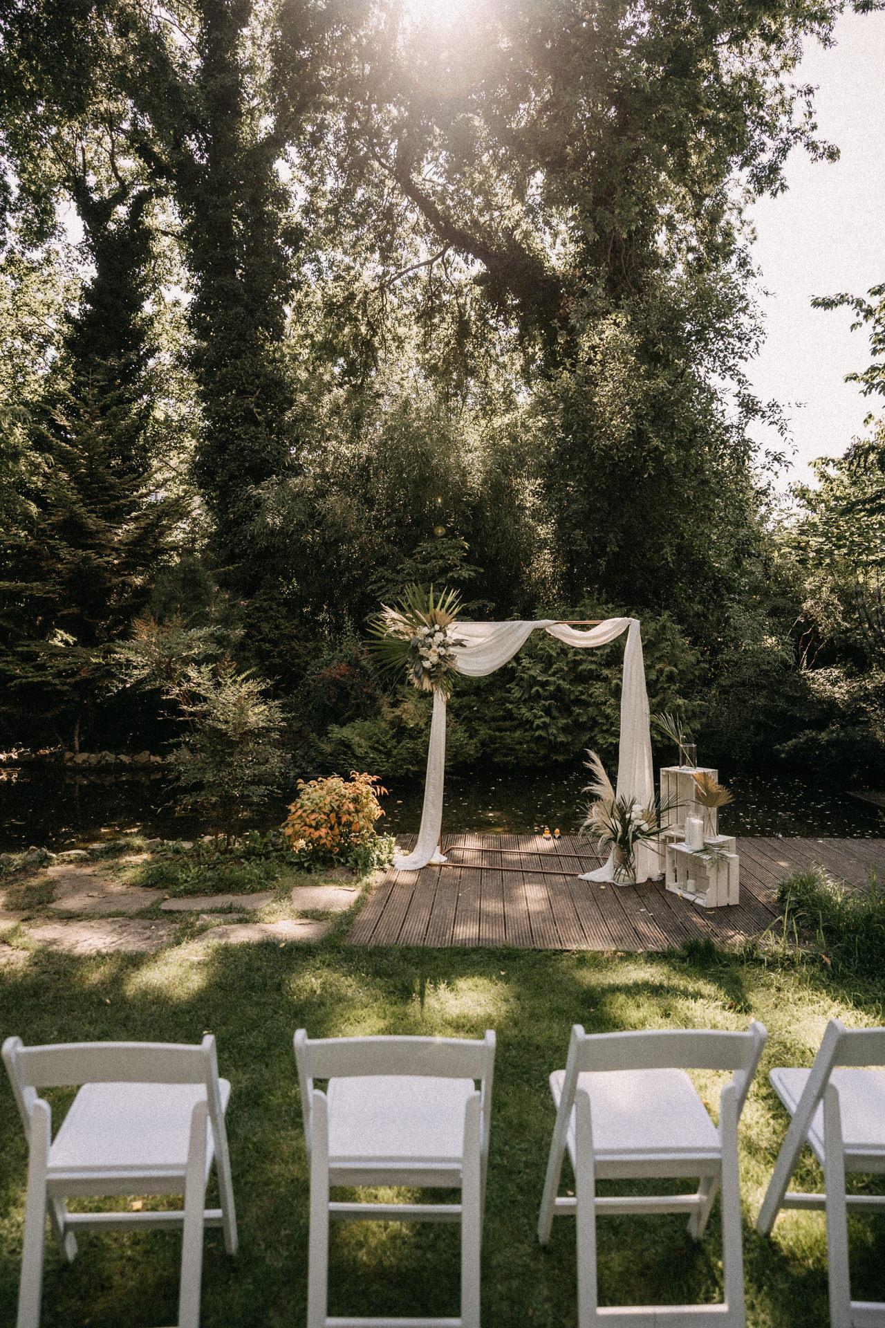 elte fuveszkert wedding